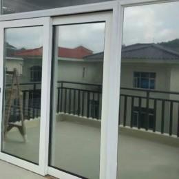 Dos lados espejo plateado ventana película aislamiento Solar adhesivos de tinta UV reflectante una forma de privacidad decoració